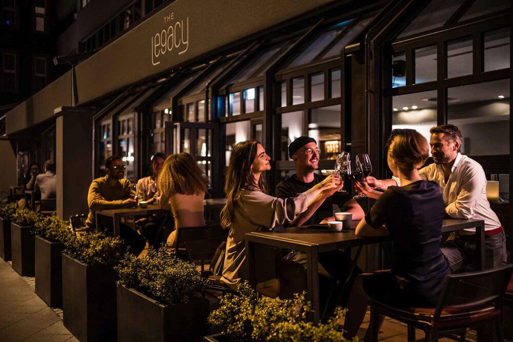 Restaurant Frankfurt - The Legacy Bar & Grill Terrasse am Wiesenhüttenplatz