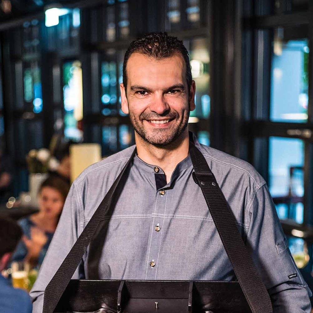 Restaurant Frankfurt: The Legacy Gastgeber Javier Villacampa